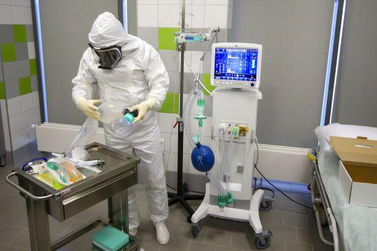 Новий антирекорд в Росії: за добу зафіксовано понад 3 тисячі нових випадків коронавірусу