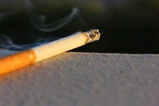Куріння може викликати збільшення білка, який коронавірус використовує для зараження - вчені