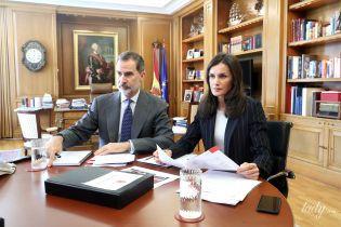 """Удаленка"" по-королевски: испанские монархи Летиция и Филипп показали, как работают дома"