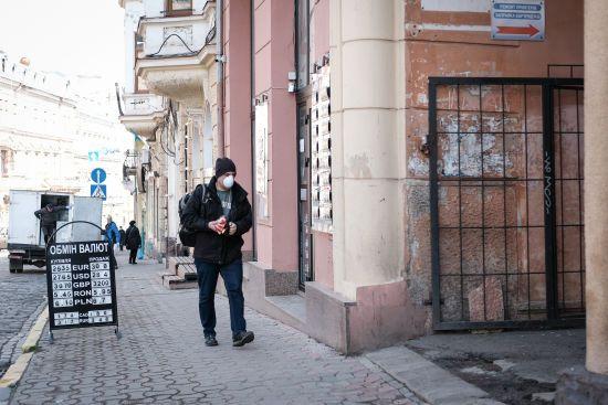 США виділять Україні понад 1 мільйон доларів для боротьби з коронавірусом