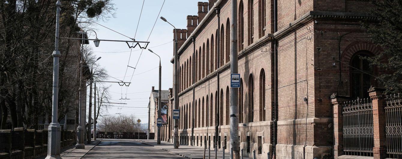 В Черновцах смягчили карантинные ограничения, когда количество случаев коронавируса приблизилось к 1,5 тыс