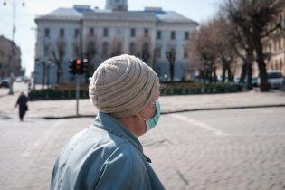 В Тернополе женщина из-за коронавируса не пустила домой мужа, который вернулся с заработков в Польше