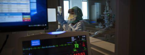 Внутреннее заражение: коронавирусом начали инфицироваться родственники украинцев, которые вернулись из-за границы
