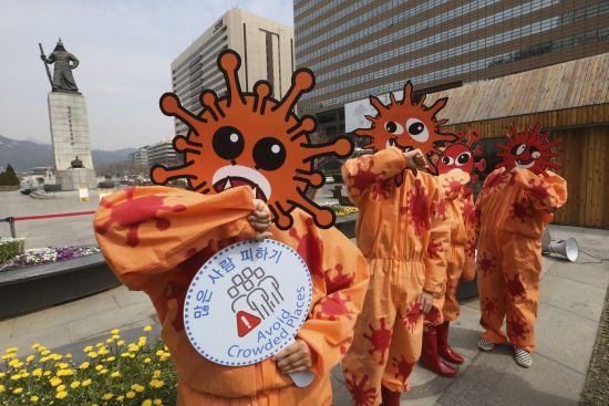 У Південній Кореї кількість нових випадків коронавірусу перевищила сотню