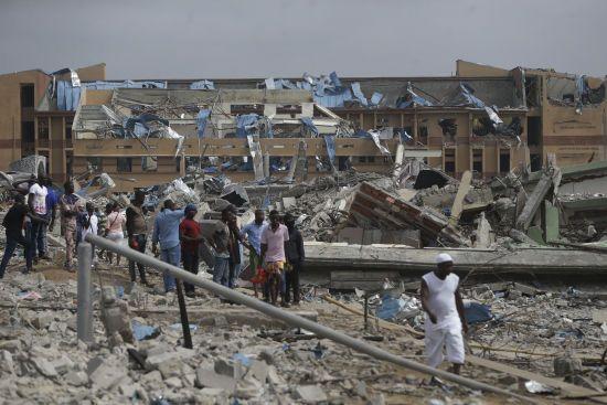 В Нігерії потужним вибухом знесло понад 100 будинків