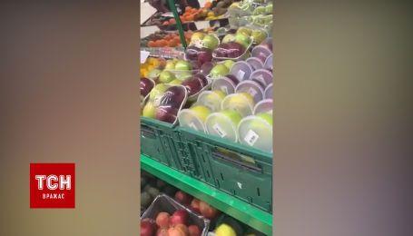 Столичні супермаркети борються з коронавірусом