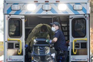 В Нью-Йорке каждые 17 минут от коронавируса умирает человек - Daily Mail