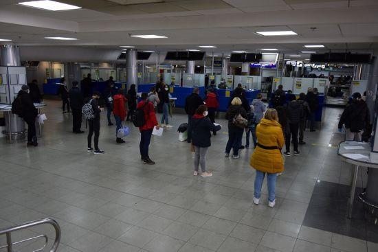 Хвиля спала: у Держприкордонслужбі повідомили, скільки українців повернулося додому