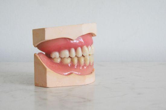 Народження, позбавлення волі чи менопауза: зуби можуть розповісти про пережиті людиною події