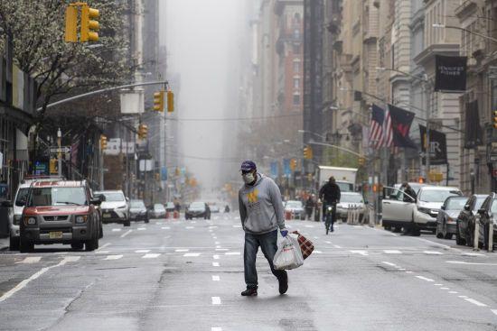 Понад 140 тисяч заражених: США продовжили карантин через пандемію коронавірусу