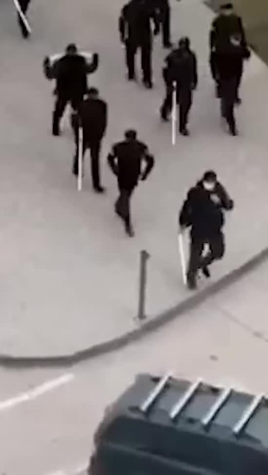 У Чечні поліції роздали труби, щоб лупцювати порушників правил карантину - росЗМІ