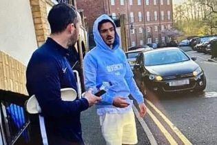 В Англии футболист призвал всех сидеть дома, а сам разбил машину в ДТП после вечеринки