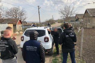 В Одесской области мужчина переправлял людей через госграницу в обход пункта пропуска