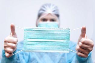 АМКУ відкрив справу через захмарні ціни на медичні маски в аптеках Києва та області