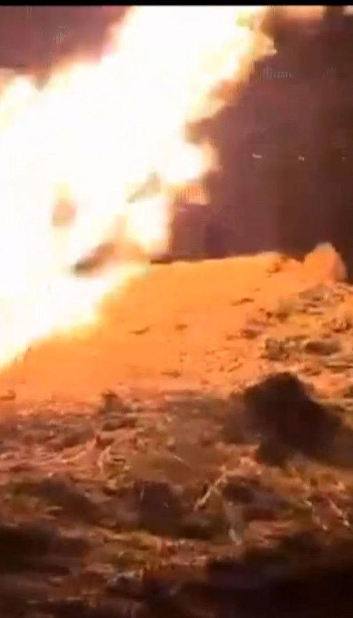 У Львівській області невідомі підпалили сухостій, вогонь перекинувся на надземний газопровід
