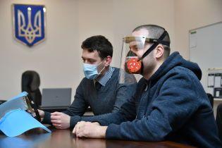 В Ровенской области собираются производить защитные маски-экраны для врачей