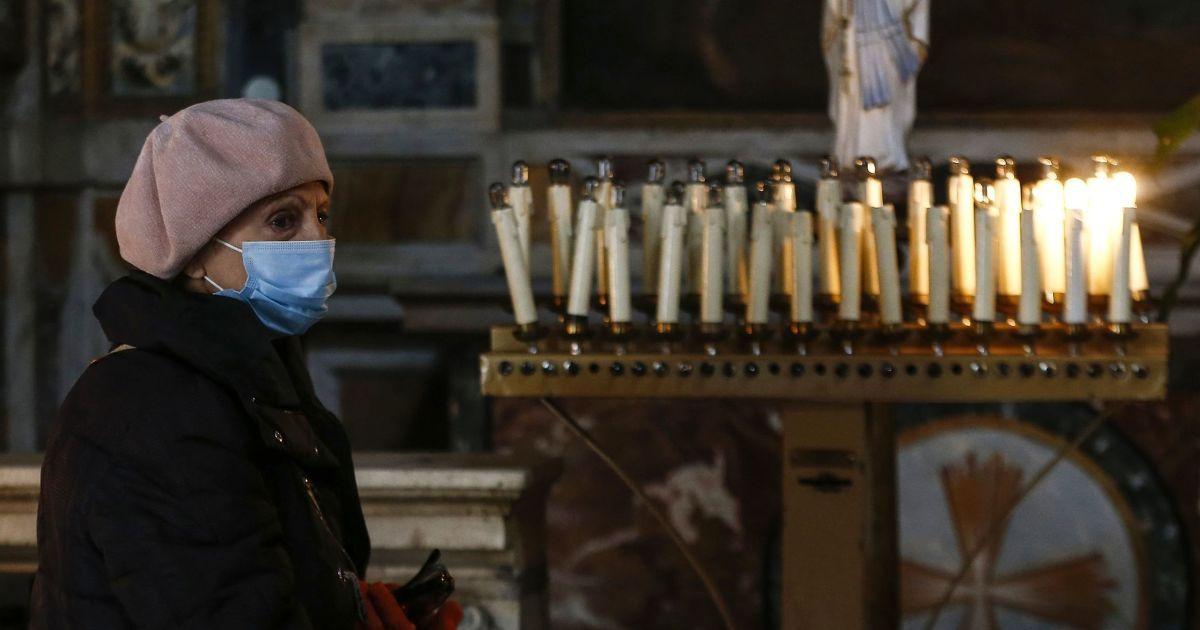 Родным умершего от коронавируса врача из Луцка сообщили о его болезни уже во время отпевания