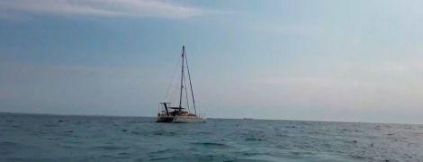 Як у кіно: українська яхта проривається додому з Хорватії через шторми та тотальний карантин