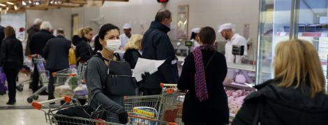Покупки в умовах коронавірусу: чи можна заразитися недугою через їжу та чи варто дезінфікувати продукти