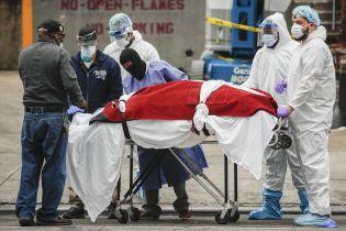 Майже дві тисячі летальних випадків: у США встановили добовий антирекорд смертності від коронавірусу