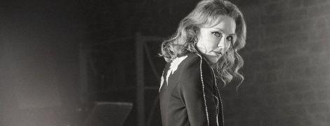 Ах, какие ноги: Алена Шоптенко предстала в кадре в миниатюрном платье
