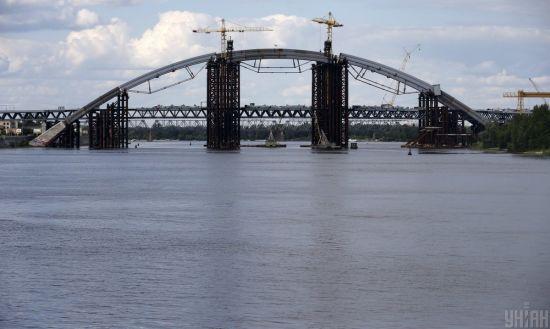 У виграші лише Подільський міст: як Київрада урізала бюджет під час кризи
