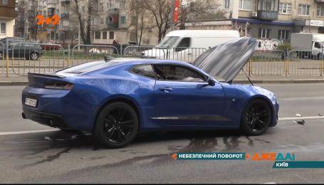 На бульваре Перова в столице дорогу не поделили Lanos и Chevrolet