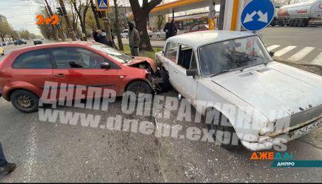 Огляд аварій з українських доріг за 1 квітня 2020 року