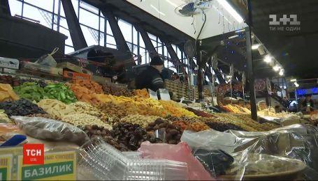 В Минздраве разрешили открыть продуктовые рынки, если дирекция обеспечит всех работников средствами защиты