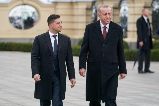 Зеленський домовився з Ердоганом від 1 липня відновити авіарейси з України до Туреччини