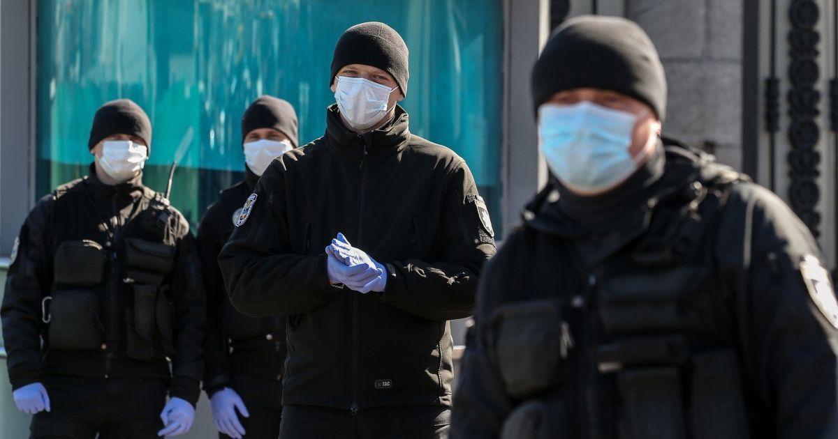 Коронавирус в Украине: в МВД назвали количество людей, которых уже оштрафовали за нарушение самоизоляции