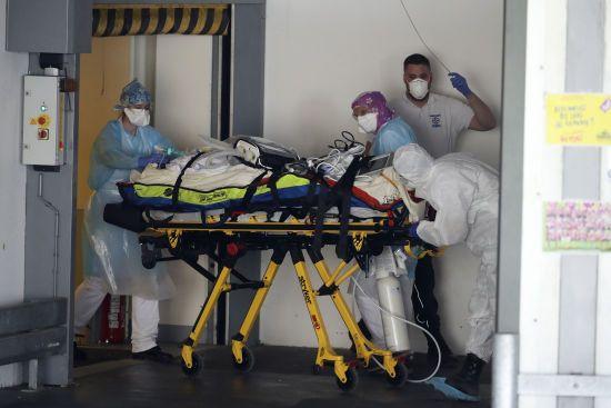 Новим коронавірусом заразилися вже півтора мільйона людей в усьому світі