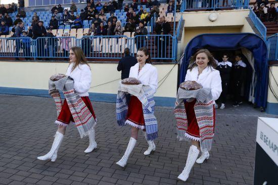 У Білорусі через коронавірус призупинили футбольні турніри юніорських і юнацьких чемпіонатів