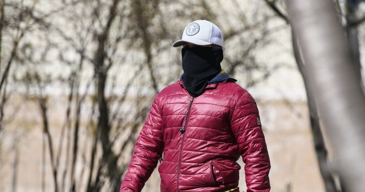Во время карантина Минздрав не запрещает заниматься сексом на улице за деньги