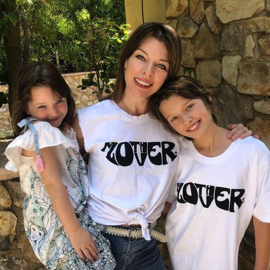 Міла Йовович ніжно привітала блакитнооку донечку-красуню з 5-річчям