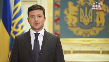 В видеообращении Зеленский рассказал, в какие области в первую очередь доставят медицинские изделия