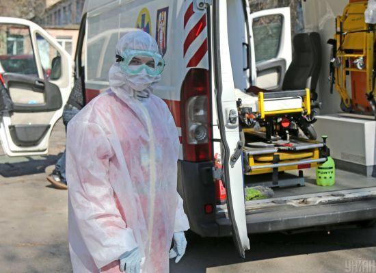 В Україні за добу рекордно зросла кількість інфікованих коронавірусом: померли вже 28 людей