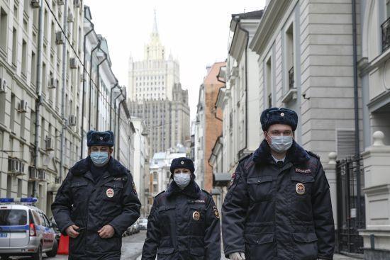 Знову антирекорд: в Росії за 24 години зафіксували понад 6 тисяч нових випадків коронавірусу