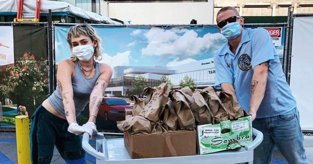 Майлі Сайрус з бойфрендом влаштували безкоштовний обід медикам Лос-Анджелеса