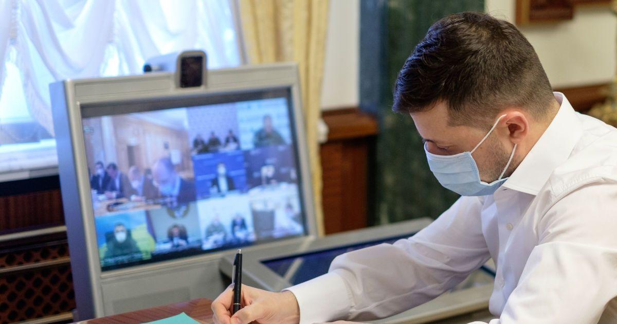 Зеленський попросив про допомогу у Червоного Хреста, щоб прискорити обмін полоненими
