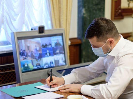 В Україні зріс показник інфікування коронавірусом, уряд готується до другої хвилі - нарада у Зеленського