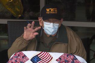 В США 104-летний ветеран Второй мировой войны выздоровел от коронавируса в свой день рождения