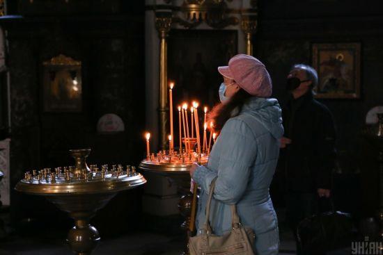 Поліція відкрила справу через богослужіння у лаврі в Святогірську: особи усіх прихожан встановлені
