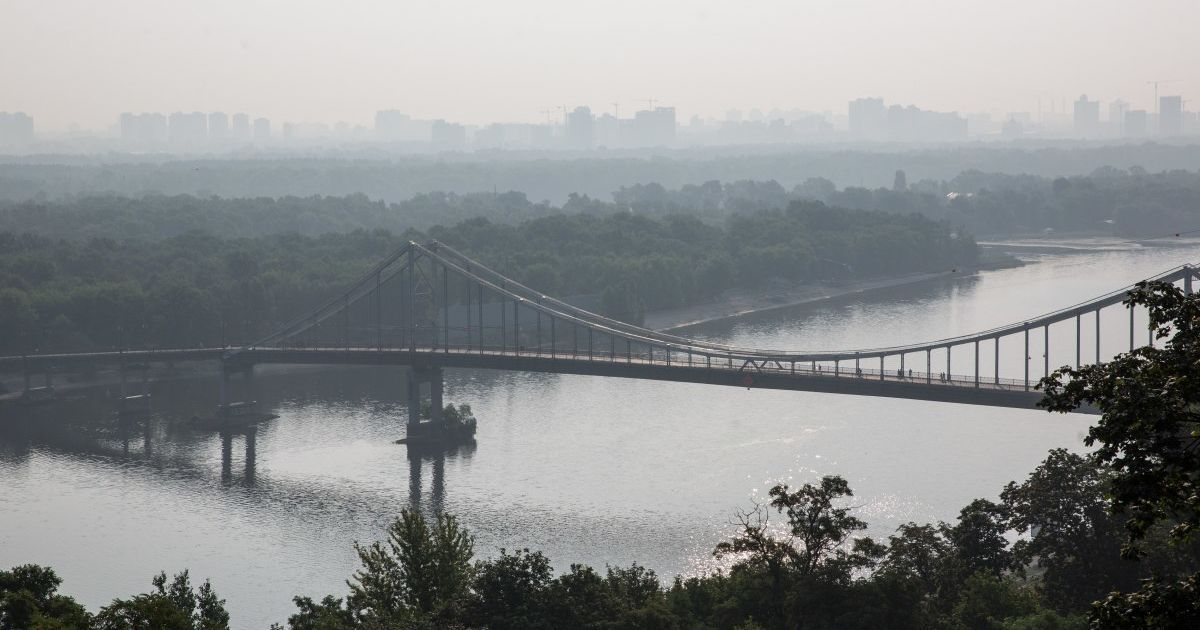 Пожар на свалке в Киеве: в воздухе фиксируют превышение вредных веществ
