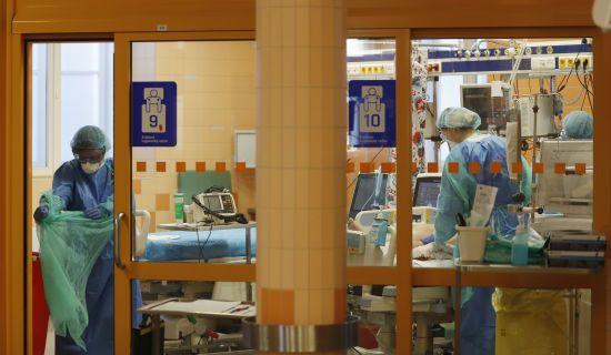 """""""У дитини була клінічна смерть"""": медики розповіли про інфіковану коронавірусом дитину у Вінницькій області"""