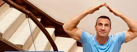 Владимир Кличко сделал домашнее упражнение по координации и бросил вызов фанатам