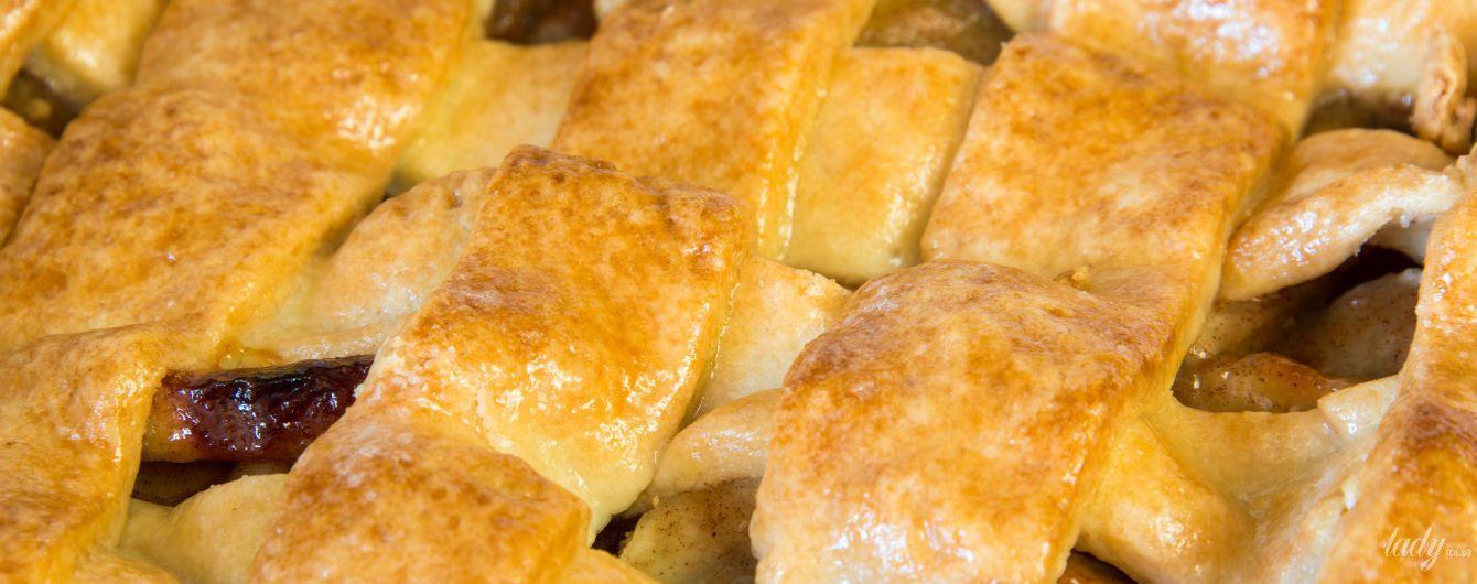 Звездный рецепт: яблочный пирог от Алексея Душки