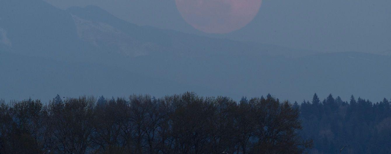 Вісім країн домовились освоювати разом Місяць і висадити там першу жінку