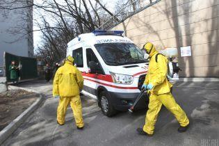 За добу в Україні зафіксовано понад 200 нових випадків коронавірусу, зросла і кількість смертей