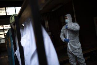 Коронавірус у Польщі: уряд подовжив карантин і зобов'язав людей носити маски